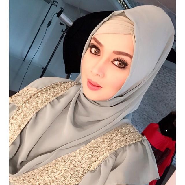 Tips Cantik ber Hijab Ala Terry Putri