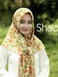 jilbab-kerudung-hijab-segi-empat-segiempat-rawis-motif-bunga-adara-shabia-hijab