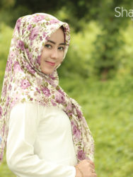 jilbab-kerudung-hijab-segi-empat-segiempat-rawis-motif-bunga-keela-shabia-hijab